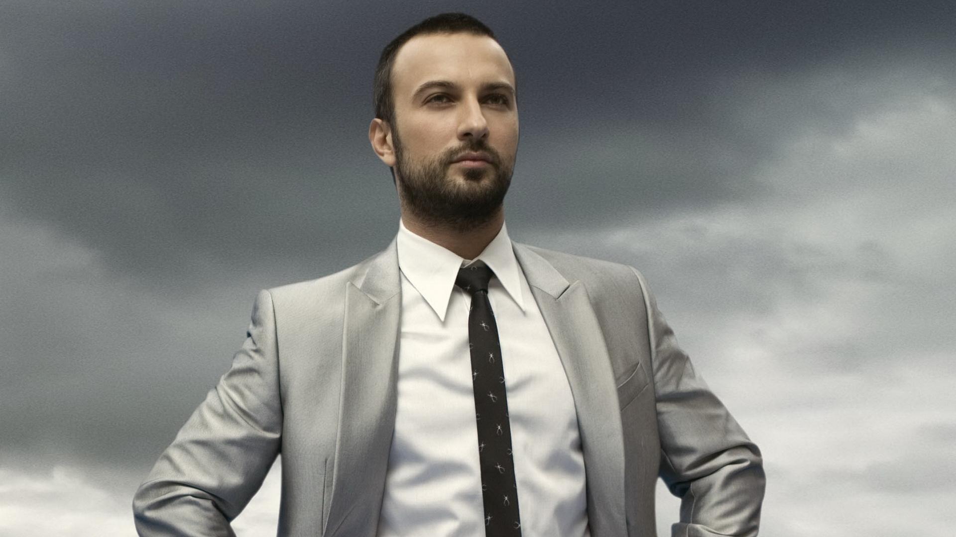 Tarkan (singer)