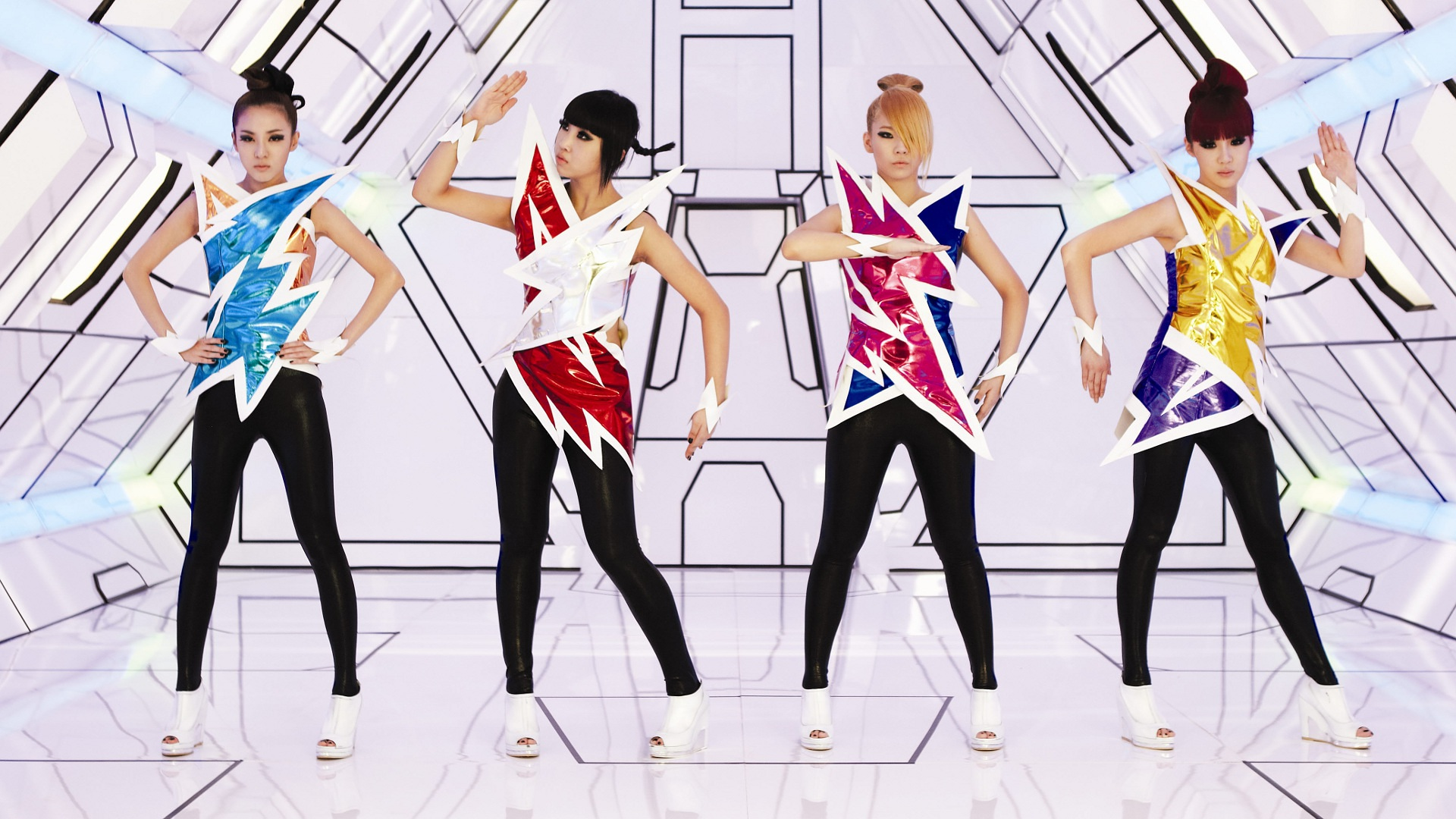 Crush 2ne1 Album Cover 2NE1 | Music fanart | ...